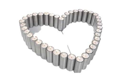 Teelichtleuchter flach in Herzform, 40-flammig